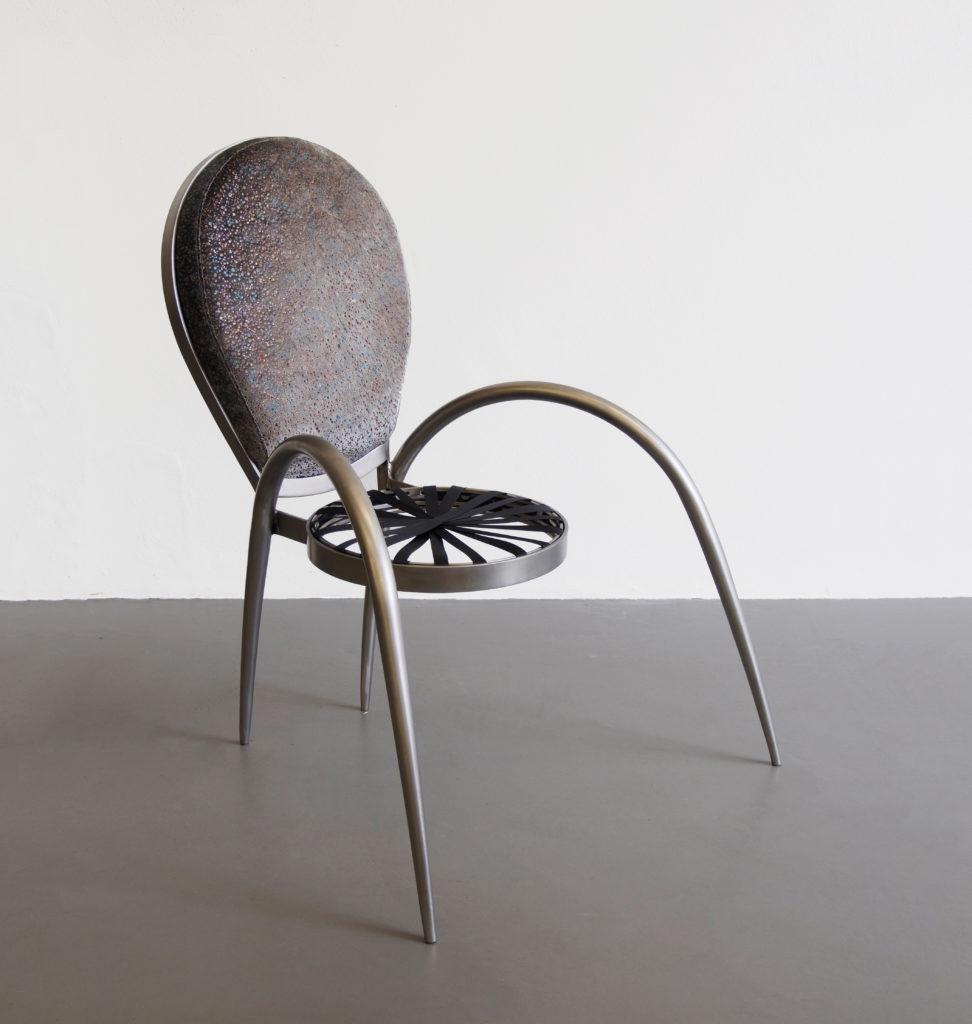 LABINAC Spiderchair, 2019, stainless steel, textile 80 cm x 70 cm x 100 cm, designed by Maria Thereza Alves for LABINAC, ph: Kai-Morten Vollmer